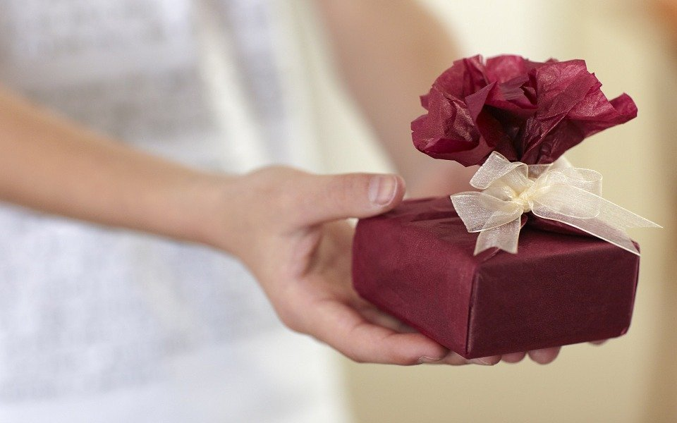 Unique gift ideas that can be delivered online in London